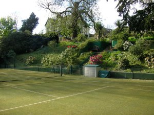 Private Country House Rental with Tennis Court